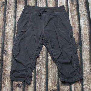 🎀3/$30 Kirkland Grey Jogger Capri Pants